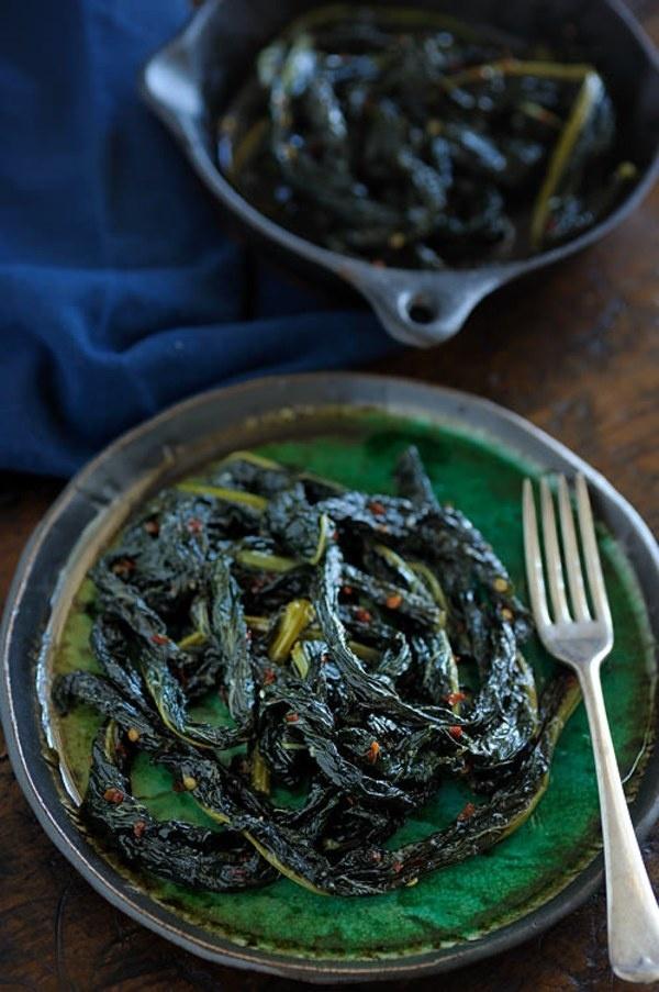 Korean Chicken Sliders With Braised Kale & Kimchi Recipes — Dishmaps