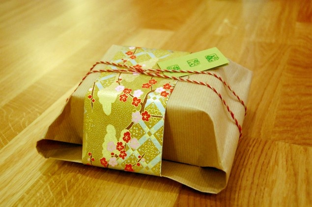 Japanese style gift wrapping hobbytime pinterest for Japanese wrapping