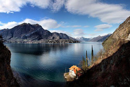 Lago di Como, between Bellagio and Como, Italia by Batistini via Flickr