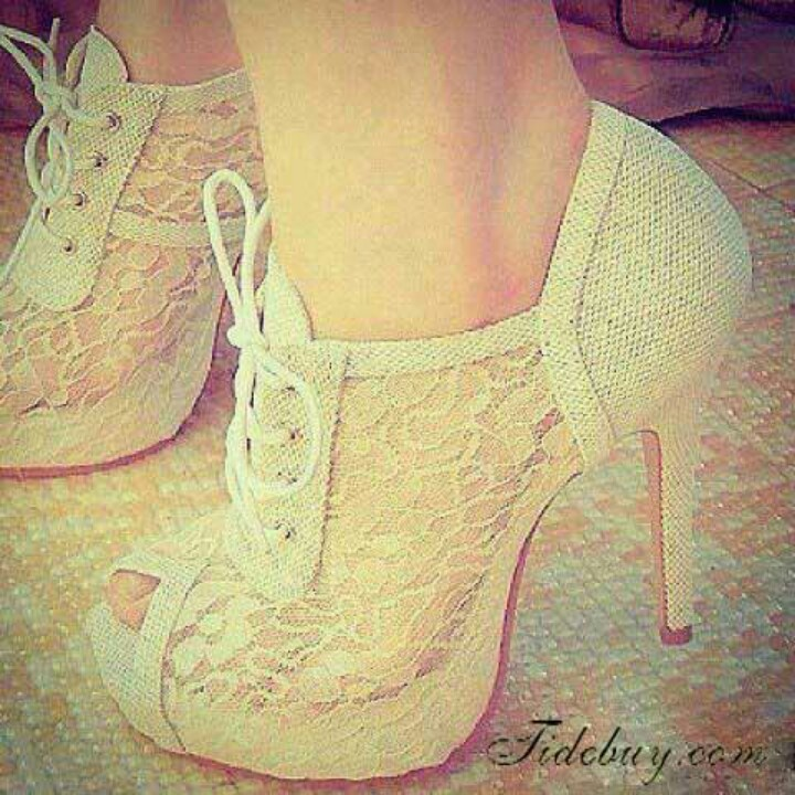 Lace shoes-love these