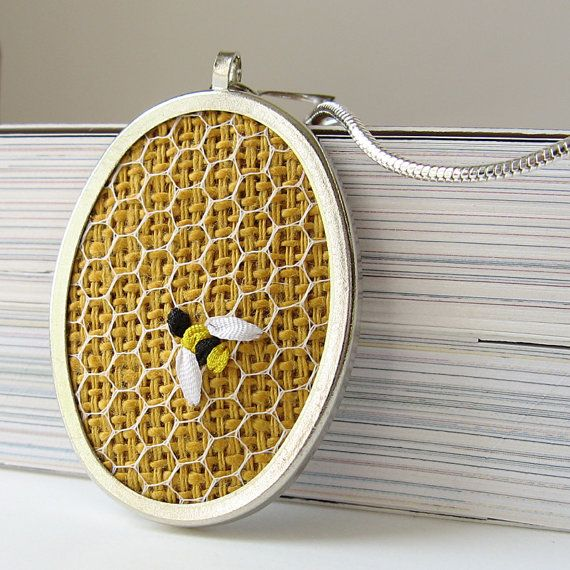 embroidered honeycomb pendant ♥
