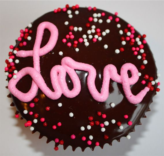 Valentine S Day Cupcake Decorating Ideas : Tips & Tricks: Valentine s Day cupcake decorating ideas
