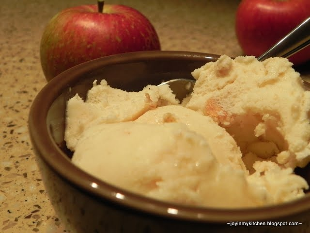 Apple Cinnamon Spice Ice Cream | Sweet Stuff (Desserts) | Pinterest