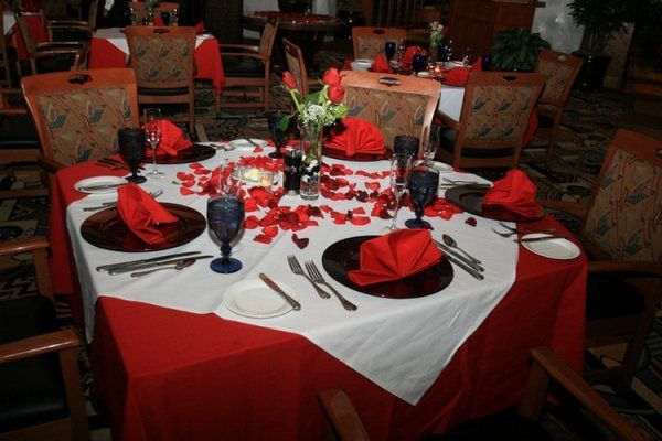 valentine day decorations table