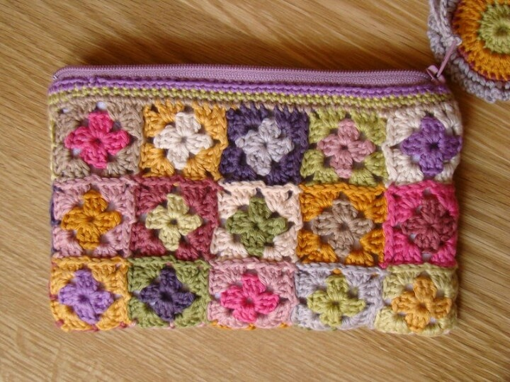 Makeup bag Crochet Bags Pinterest
