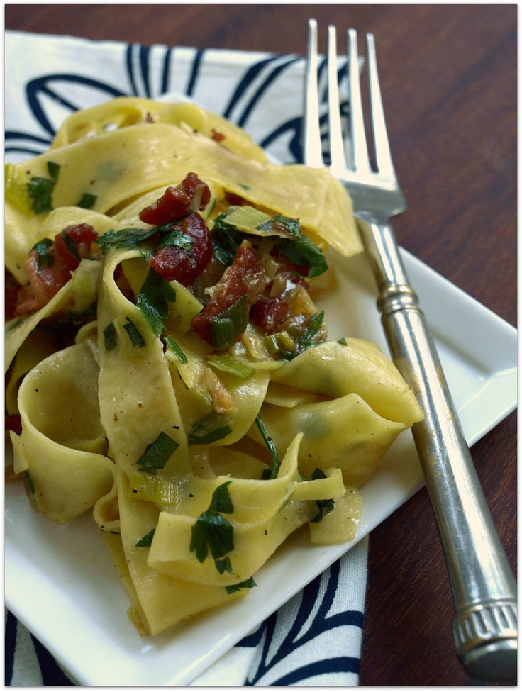 This is delicious!!!! pasta carbonara with leeks and lemon