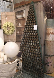 tuna can tree ... wouldn't this be amazing from the bottom of green wine bottles?