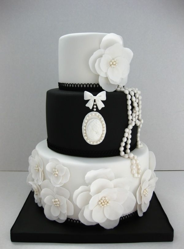 Cake Pictures Black And White : Southern Blue Celebrations: Black & White Wedding Cake Ideas