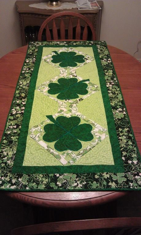 - Lucky Shamrock Table Runner