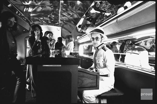Elton John | Black &am...
