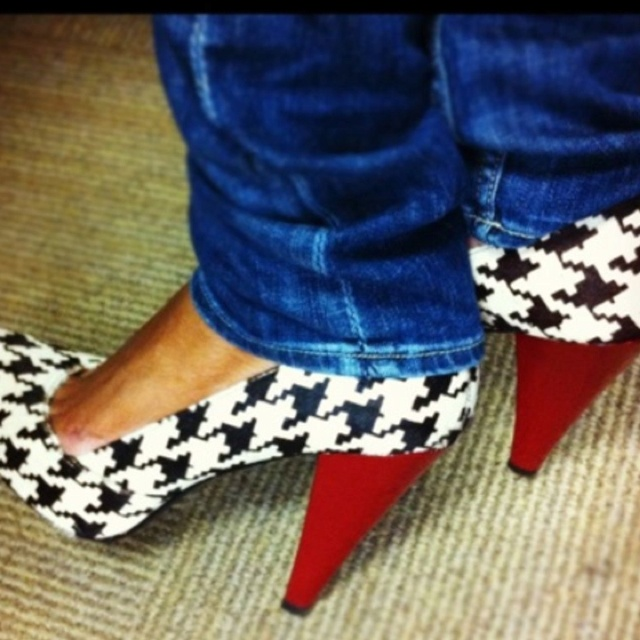 Houndstooth Shoes-I need these