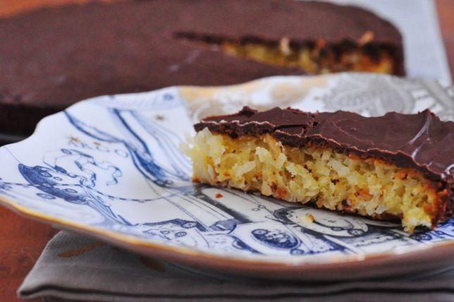 coconut chocolate glazed tart | Skinny Jeans Food Blog | Pinterest