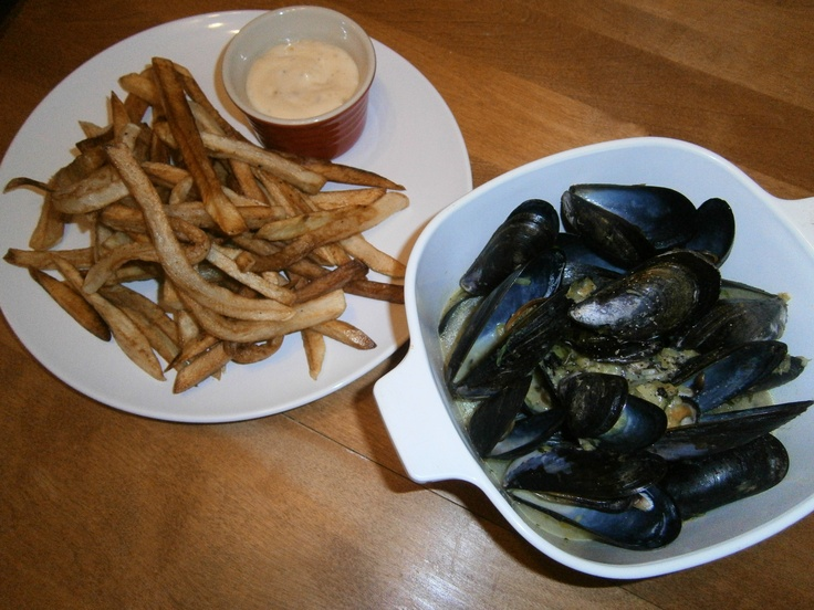 ... and Leek Mussels with Homemade French Fries and Roasted Garlic Aioli
