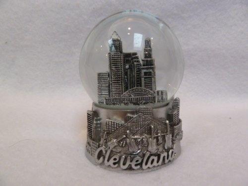Cleveland Ohio Snow Globe 65mm
