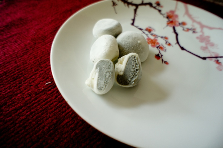 Black Sesame Ice Cream Mochi | Sorbets & Ice Cream | Pinterest