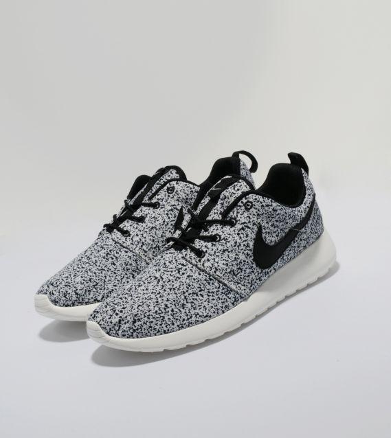 Nike roshe run # nike shoes, nike sneakers, nike running shoes,nike best shoe,womens nikes,mens nike shoes  I wonder if b would like these