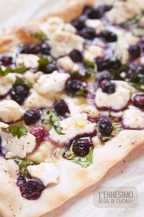 Pizza mirtilli e ricotta (ricotta and blueberries pizza ...