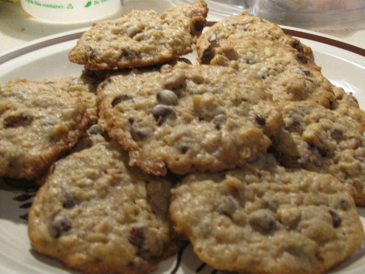 Oatmeal walnut chocolate chip cookies | food | Pinterest
