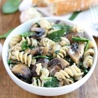 Creamy Goat Cheese Pasta with Spinach & Mushrooms-a simple #vegetarian ...