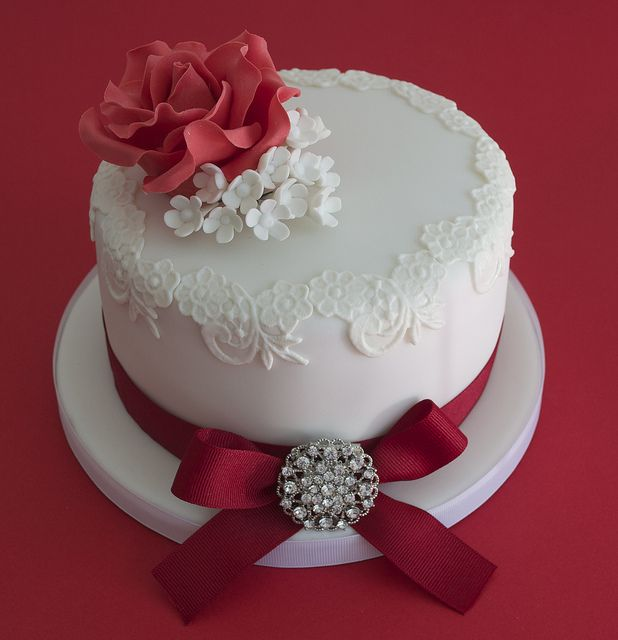 Cake Decorations For Ruby Wedding Anniversary : Ruby Wedding Anniversary Cake Baking Ideas Pinterest