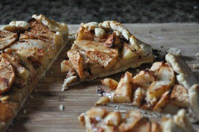 Caramel apple galette | eat / cheesecake - pie - tarts | Pinterest