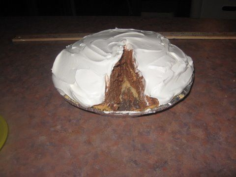 Mile High Chocolate Cream Pie - and for pie it is surprisingly low fat ...