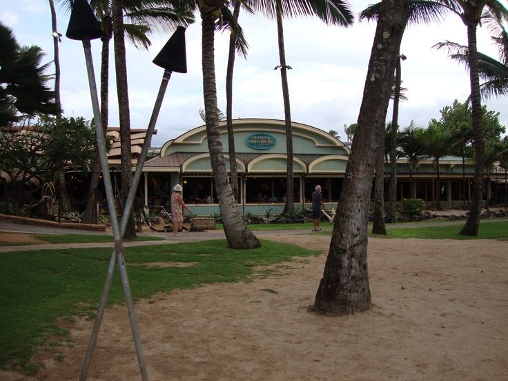 Mama 39 s fish house paia maui great places been there for Mamas fish house maui