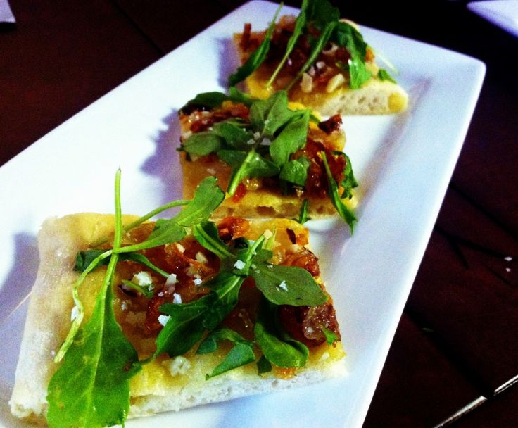 Caramelized Onion Flatbread   Appetizers   Pinterest