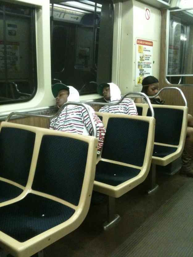 These not twins who are definitely not a distraction