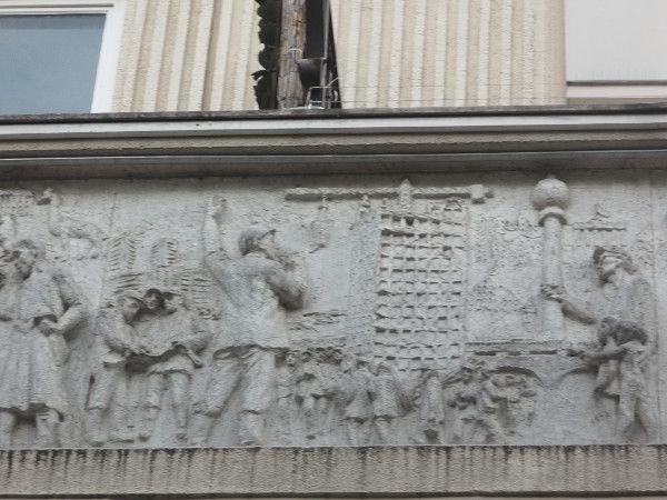Gerhard Thieme bassorielivi al Nikolaiviertel