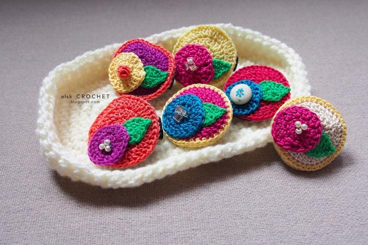 Crochet Hair Clips Pinterest : Hand crochet hair clip Adornos para el pelo crochet Pinterest
