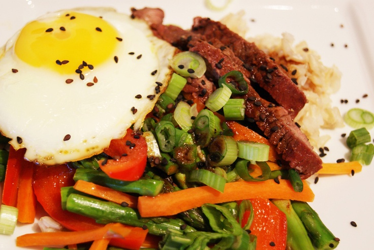Gojee - Korean Rice Bowl with Steak, Vegetables & Fried Egg by A ...