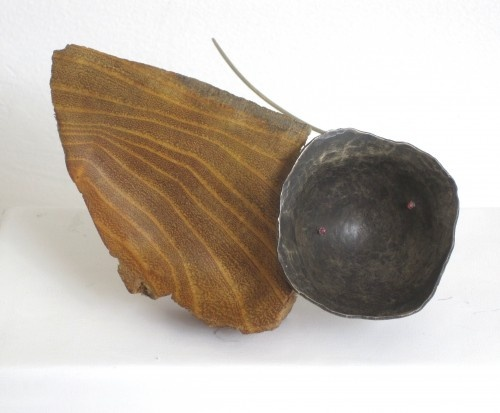 Jorge Castañon, Dos cuencos brooch - nickel silver and wood