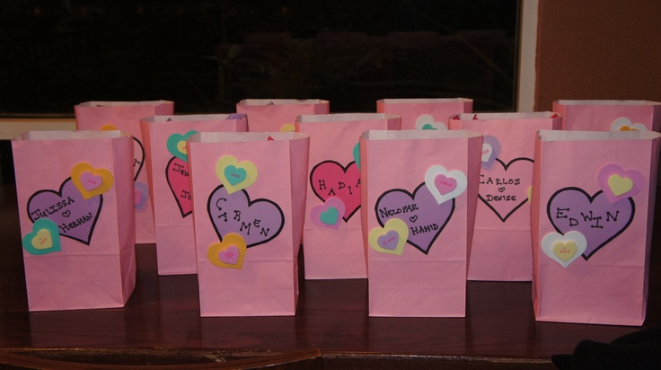 valentine's day gift bag decorating