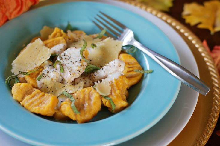 Pumpkin Ricotta Gnocchi with Sage Cream Sauce - good but hard to roll ...