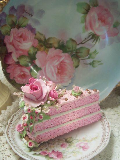 розовый торт слоем
