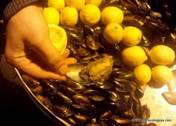 ... dolması (stuffed mussels) off the streets in Beyoğlu, #Istanbul