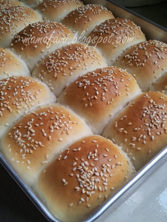 Sweet Bun With Coconut Filling | Baking, Bread and Rolls Galore n Mor ...