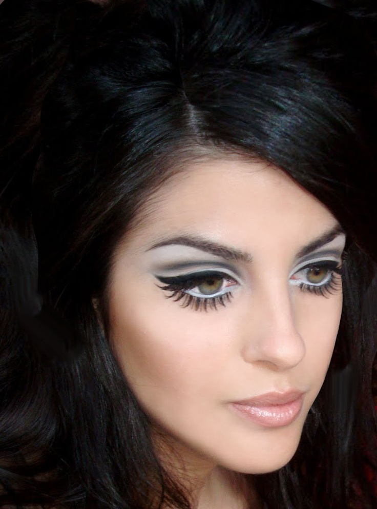 60s makeup twiggy
