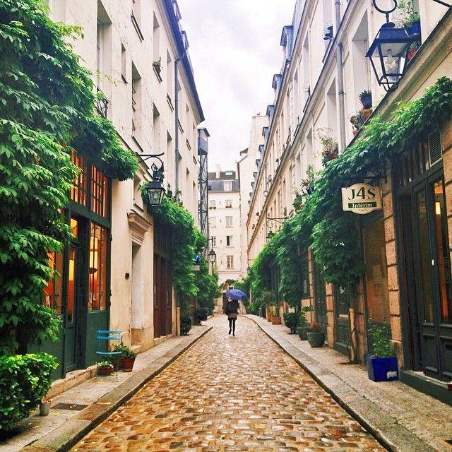 bastille place