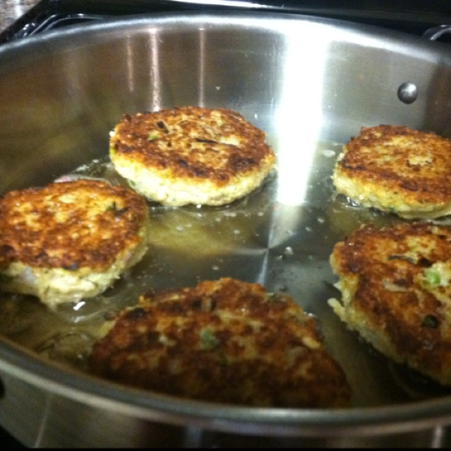 Little Quinoa Patties from Epicurious YUM.