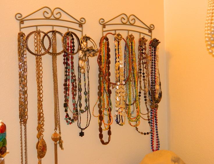 Key racks used to hold necklaces, rings, and braceletsInexpensive