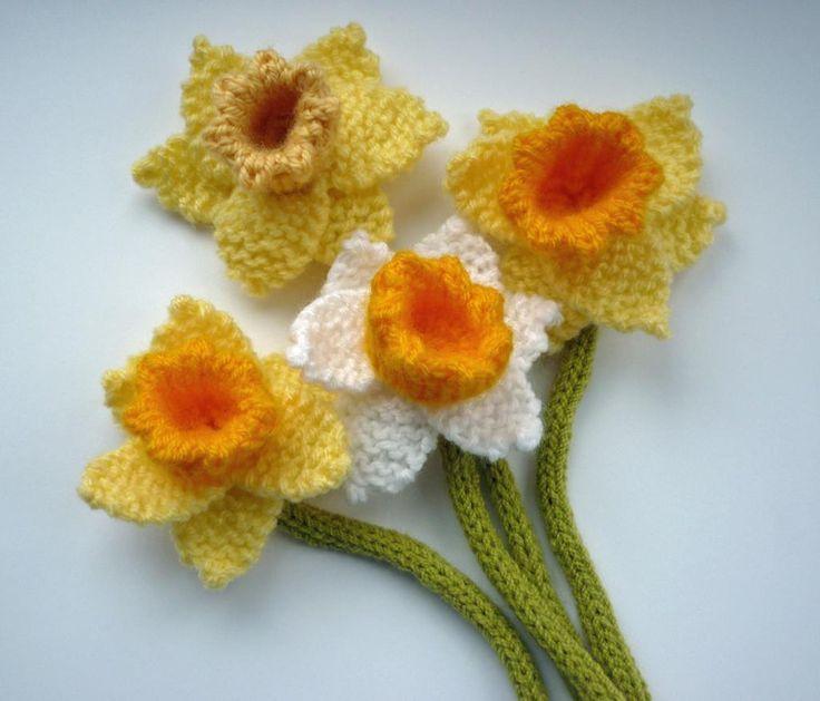 Free Pattern Crochet Daffodil : Daffodils Pattern Crochet : Flowers, Leaves Pinterest