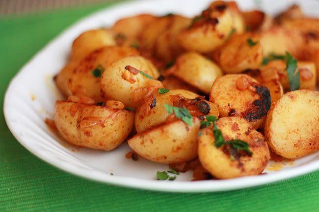 Smoked paprika pan-roasted potatoes | Favorite Recipes | Pinterest