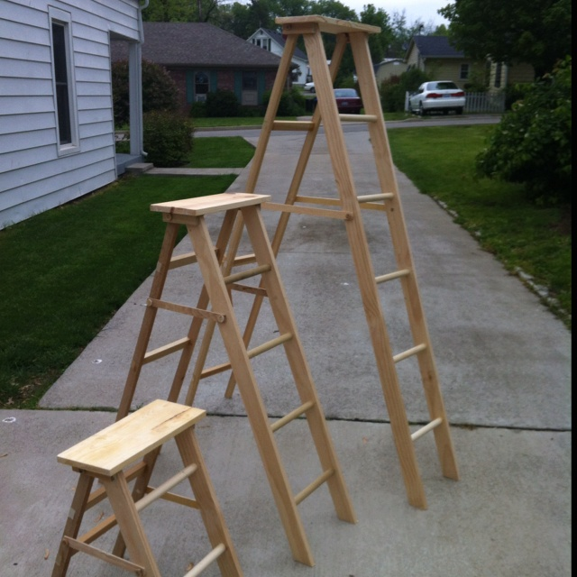 Wooden ladders for store display diy projects pinterest for Old wooden ladder projects