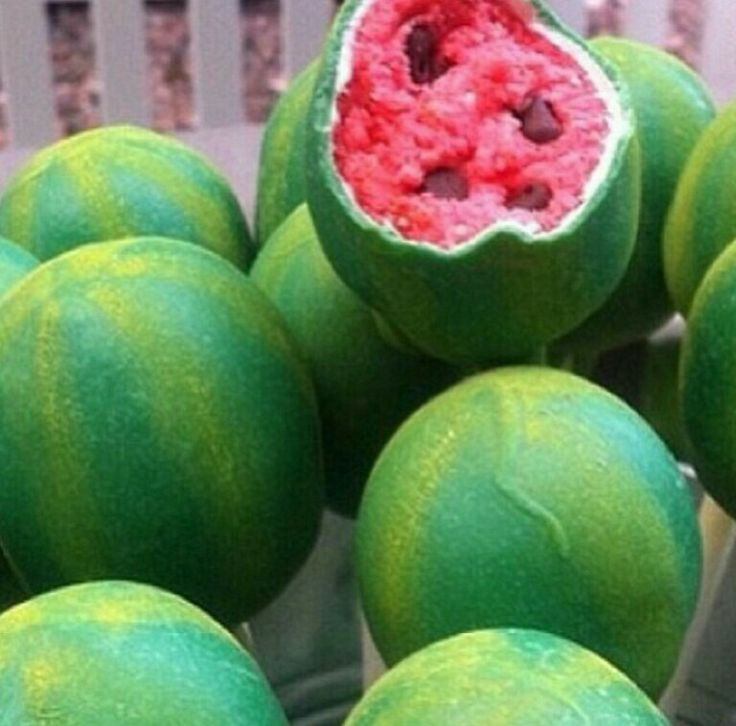 Imitation Watermelon Cake Pops | Cake pops | Pinterest