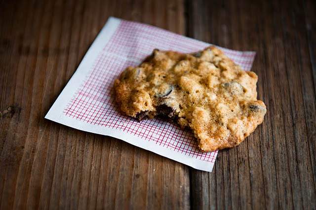 Oatmeal Walnut Chocolate Chip Cookies | COOKIES - Home-baked Goodness ...