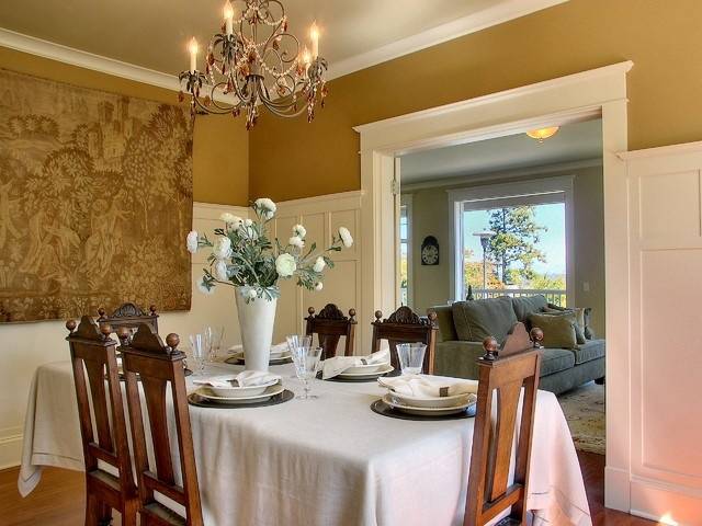 Arts and crafts style trim pairs beautifully with other for Arts and crafts wainscoting