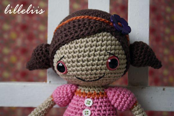 Amigurumi Shoe Tutorial : Sofia Doll amigurumi pattern by lilleliis