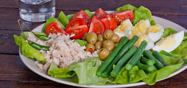 le french tuna salad sandwich recipes dishmaps pan bagnat le french ...